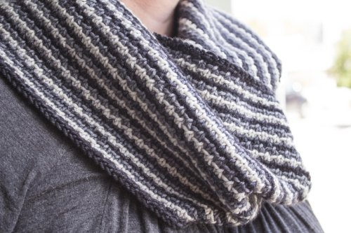 Tres Tosh Cowl pattern