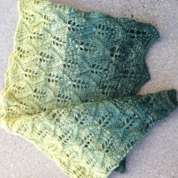 Haerfest Cowl pattern in color 'Fangorn Forest'