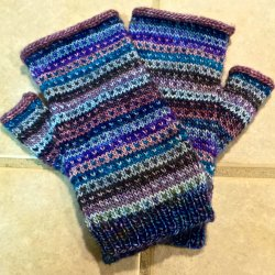Modicum Mitts Pattern - available on Ravelry