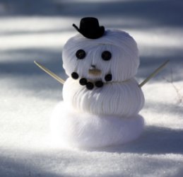 Debbie Bliss Snowman, photographed by Romi