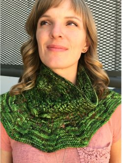Kristen's Cloud Forest Cowl Pattern