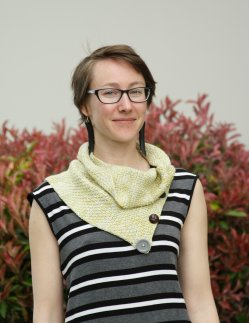 Leanne's Honey Bee Cowl pattern
