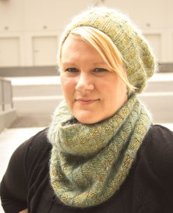 Kristen's Peavine Hat and Cowl