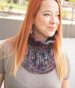 Leanne's Rueca Rib and Flow Cowl