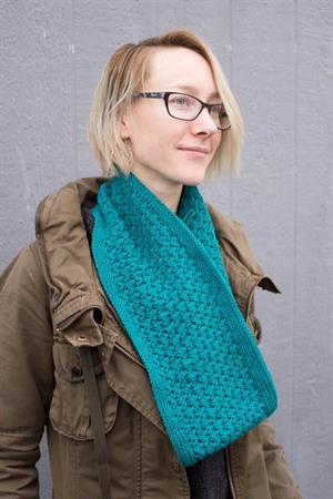 Donna Splatter Lace Cowl