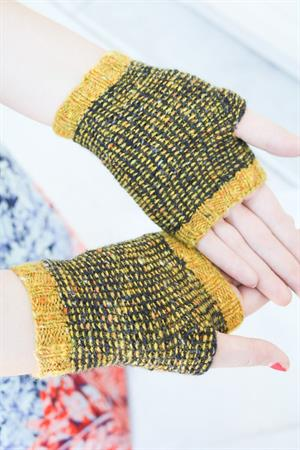 Laura's Optical Illusion Mitts