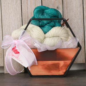Jimmy Beans Wool Madelinetosh Yarn Bouquets kits Plot Twist (Crochet) - Undergrowth