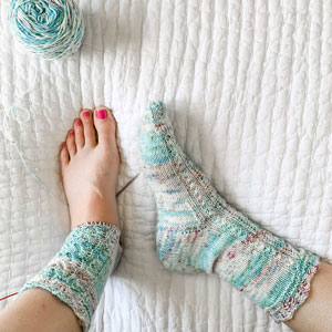 Jimmy Beans Wool Mad May 2021 kits Twist Light - Elves & Elms Socks