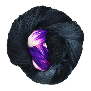 Delicious Yarns Sweets Fingering yarn Blackberry