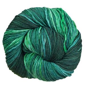 Urth Yarns Monokrom DK yarn 6065