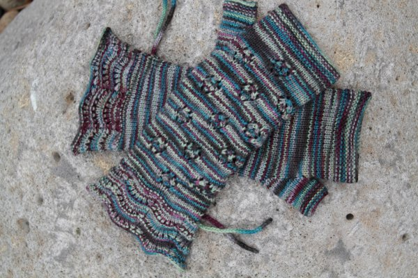 Lady Violets Dinner Gauntlets Free Knitting Pattern at Jimmy Beans Wool