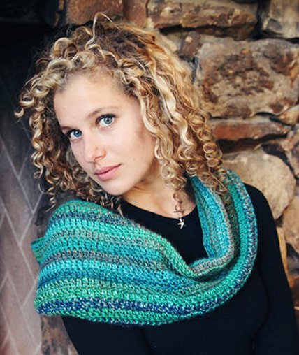 Stitch Mountain Learn to Crochet Cowl Free Crochet Pattern