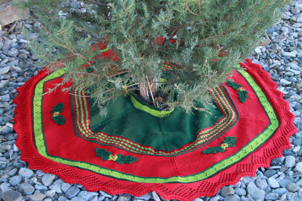 Traditional Tree Skirt