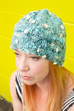 Leslie's Daisy Chain Hat