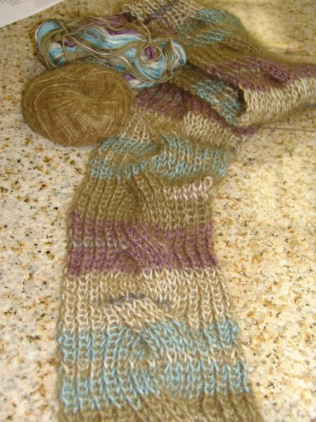 Jeanne's simple cable scarf