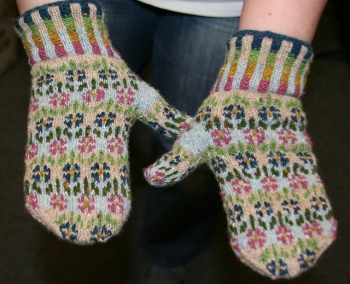 Rachel's Rowan Fine Tweed Peerie Flooers Mitts