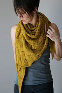 Madelinetosh Kleine Schwester Shawl Kit - Scarf and Shawls