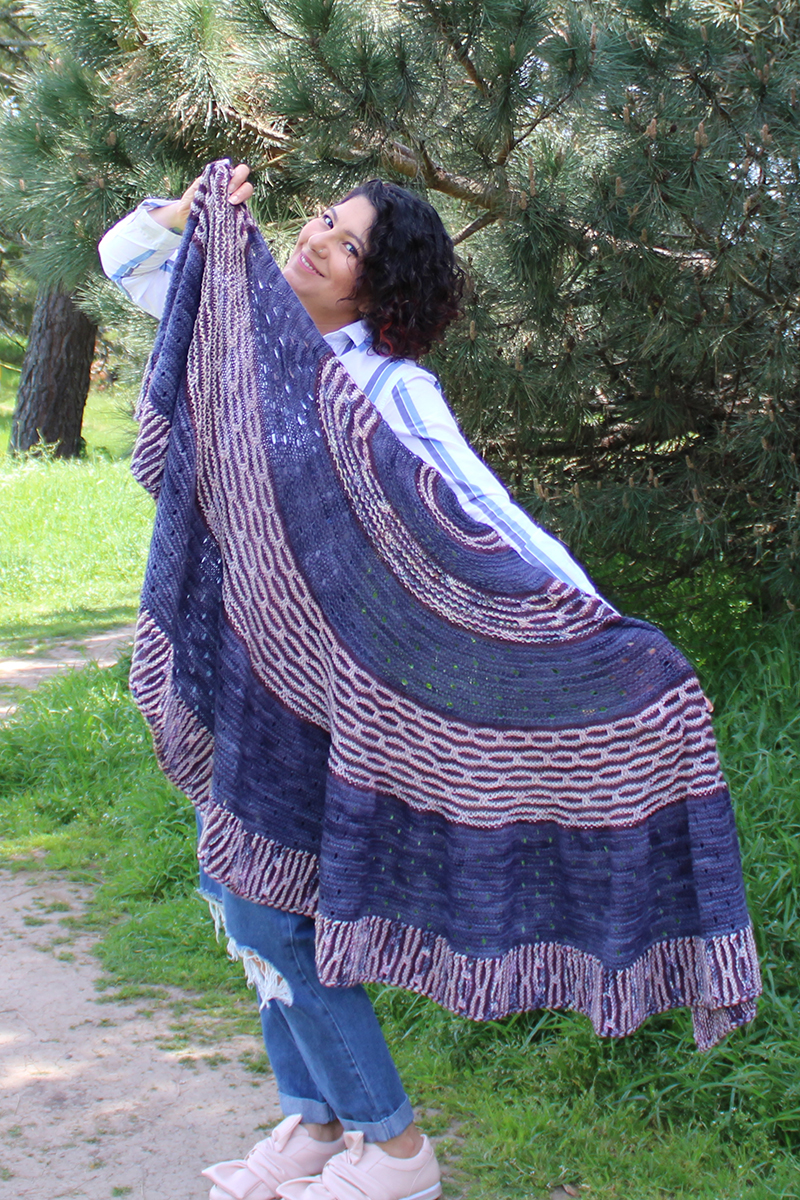 Madelinetosh Mad Bee Shawl (Fingering) Kit - Scarf and Shawls