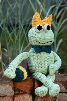Blue Sky Fibers Worsted Cotton Frog Charming Kit - Crochet for Kids