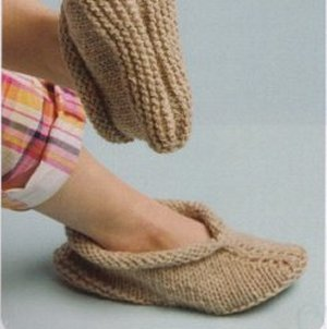 Cascade Eco Wool Easy Peasy Slippers Kit - Women's Accessories