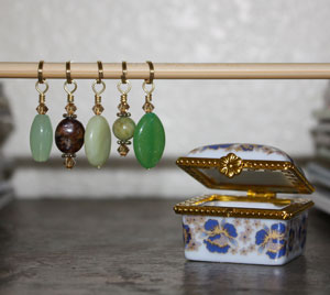 Victoria S Beaded Stitch Markers - zThe Grass is Always Greener (Discontinued)