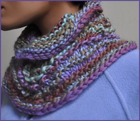 Crystal Palace Chunky Mochi Fan Stitch Cowl and Neck Cozy Kit - Scarf and Shawls