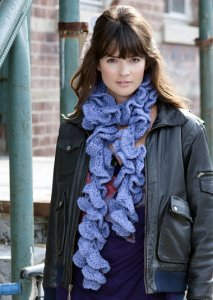 Stitch Nation Bamboo Ewe Curly Swirly Scarf Kit - Crochet for Adults