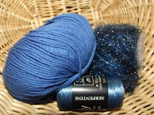 Muench Luxury Yarn Grab Bag - Blue - Small