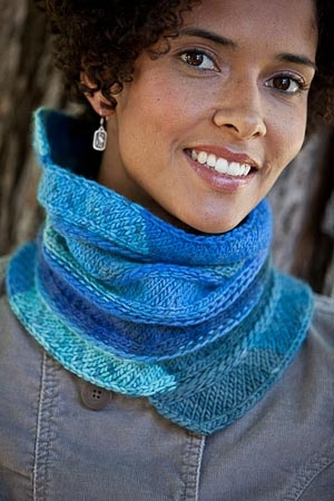 Zitron Opus 1 Kinetic Cowl Kit - Scarf and Shawls