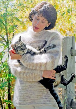 Knitting Pure and Simple Women's Sweater Patterns - 0992 - Bulky Neckdown Pullover for Women Pattern