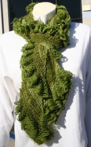 Trendsetter Pattern Books - Flamenco Ruffled Scarf Pattern