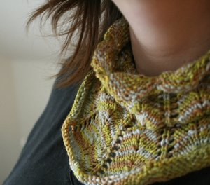 Indigirl Patterns - Shapely Cowl Pattern