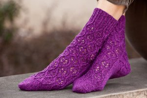 Cascade Heritage Hourglass Lace Socks Kit - Socks