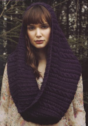 Debbie Bliss Andes Cabled Cowl Kit - Scarf and Shawls