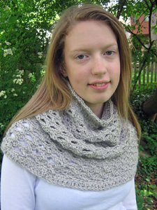 Rowan Amy Butler Belle Organic DK Twisty Cowl Kit - Crochet for Adults