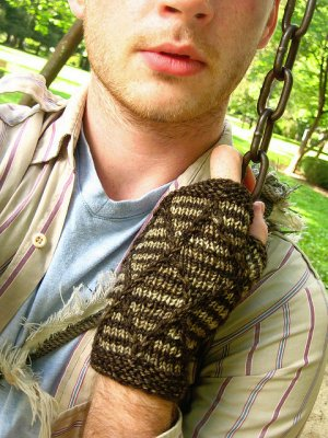 Stephen West Patterns - Diamondback Mitts Pattern