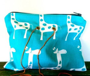Top Shelf Totes Yarn Pop - Double - Turquoise Giraffe