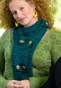 Malabrigo Rios Rib and Button Scarf Kit - Scarf and Shawls