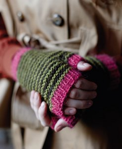 Rowan Creative Focus Worsted Big Apple Mitts Kit - Hats and Gloves