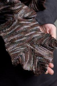 Lorna's Laces Shepherd Sock Leaf Scarffle Kit - Crochet for Adults