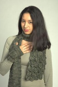 Plymouth Sweater & Pullover Patterns - 2240 Flounced Scarf and Mitts Pattern