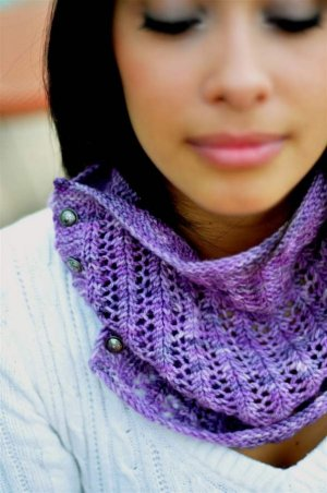 Grace Akhrem Patterns - Button Lace Cowl Pattern
