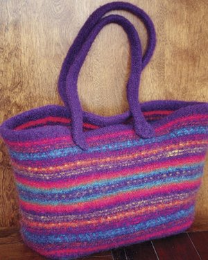 Fiber Trends Pattern Patterns - zAC55E - Maggie's Felt Tote Pattern