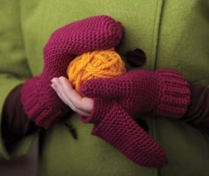 Cascade 220 Heathers Raspberry Mitts Kit - Crochet for Adults