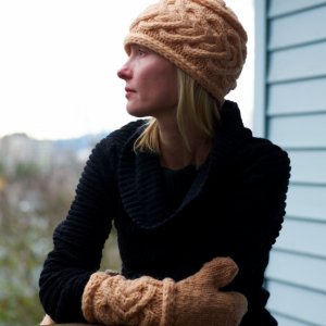 Imperial Yarn Patterns - Moonshine Hat and Mittens Pattern