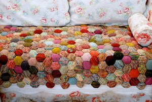Tiny Owl Knits Patterns - The Beekeeper's Quilt Pattern