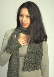Plymouth Coffee Beenz Flounced Scarf and Mitts Set Kit - Scarf and Shawls