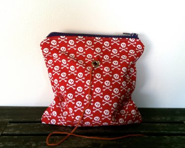 Top Shelf Totes Yarn Pop - Single - Red Crossbone (Discontinued)