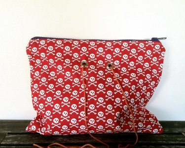 Top Shelf Totes Yarn Pop - Double - Red Crossbone (Discontinued)