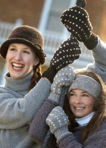 Imperial Yarn Columbia 2-ply Thrum Mittens Kit - Hats and Gloves